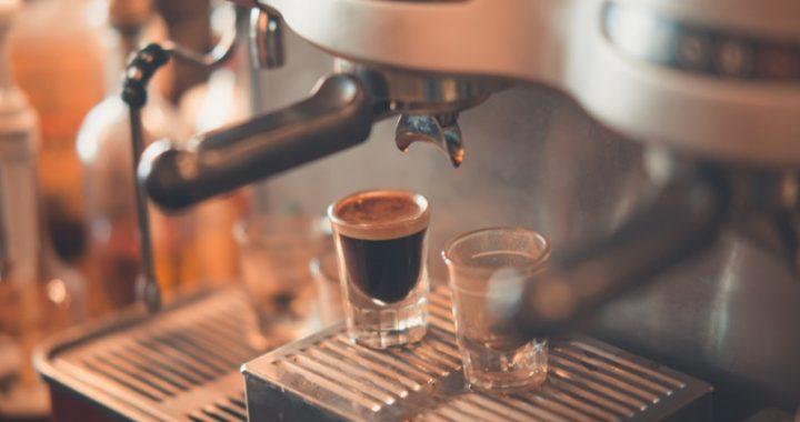 Quali vantaggi offre una macchina da caffè automatica?